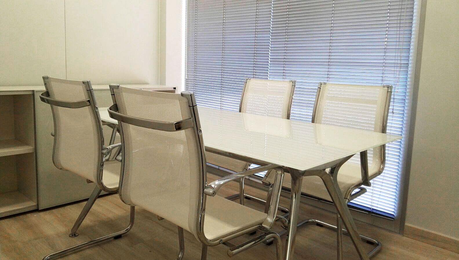 proyecto-oficox-oficina-san-juan-sala-reuniones